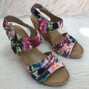 Aerosoles Floral Wedge Sandals Size 9.5